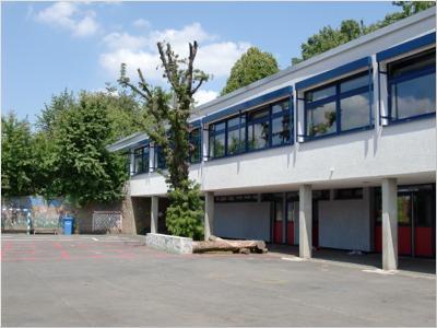 Schulgebäude Rödgen